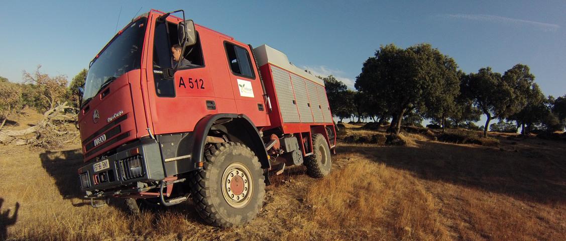 Foto camión extinción de incendios